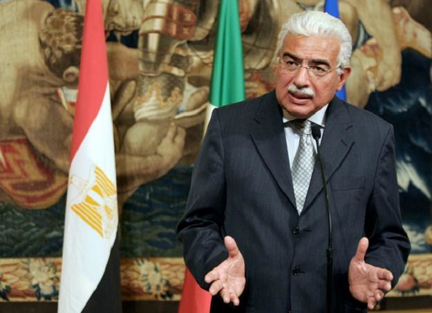 Były premier Egiptu Ahmed Nazif /AFP