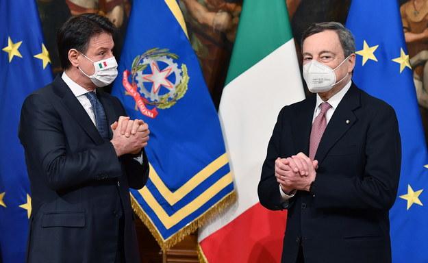 Były premier Giuseppe Conte i nowy premier Mario Draghi /ETTORE FERRARI /PAP/EPA