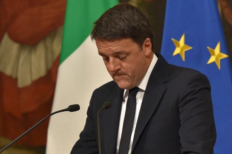 Były premier Matteo Renzi /AFP