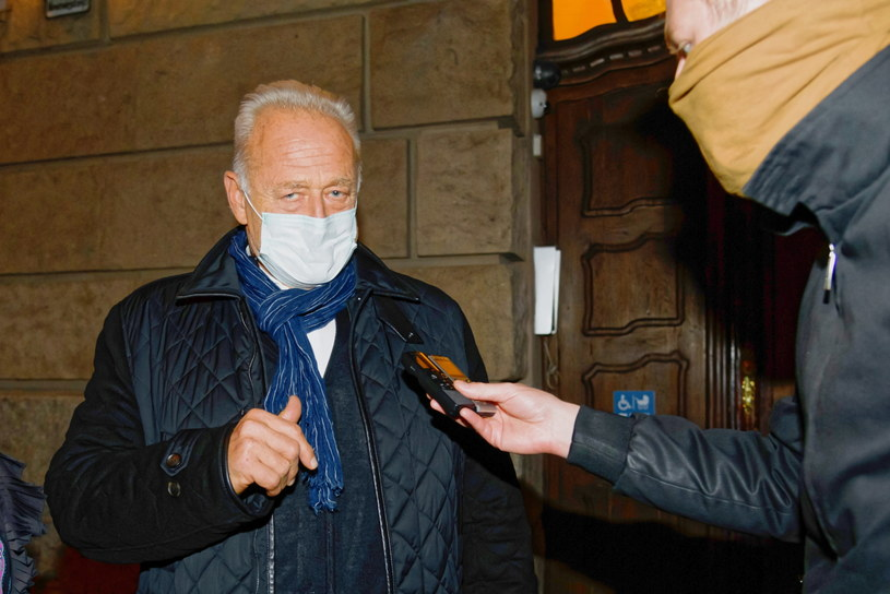 Były prezes Prokomu Ryszard Krauze wyszedł na wolność po posiedzeniu aresztowym z Sądu Rejonowego w Poznaniu. /Jakub Kaczmarczyk /PAP