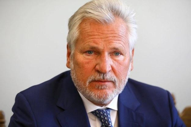 Były prezydent Aleksander Kwaśniewski oraz jego małżonka Jolanta Kwaśniewska są zakażeni koronawirusem /Rafał Guz /PAP