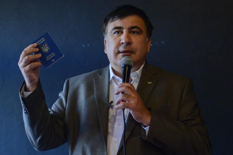 Były prezydent Gruzji Micheil Saakaszwili podczas spotkania z przybyłymi do Polski w poszukiwaniu pracy Ukraińcami /Jakub Kamiński   /PAP