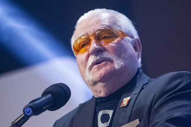 Były prezydent RP Lech Wałęsa w trakcie przemowy /Piotr Wittman /PAP/EPA