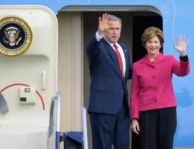 Były prezydent Stanów Zjednoczonych George Bush z żoną Laurą /AFP