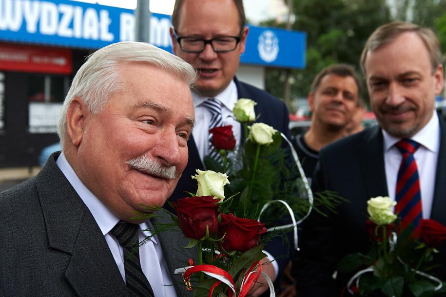 Były przywódca strajku w Stoczni Gdańskiej i były prezydent RP Lech Wałęsa (P) oraz minister kultury i dziedzictwa narodowego Bogdan Zdrojewski (P) i prezydent Gdańska Pawła Adamowicz /PAP/Adam Warżawa    /PAP