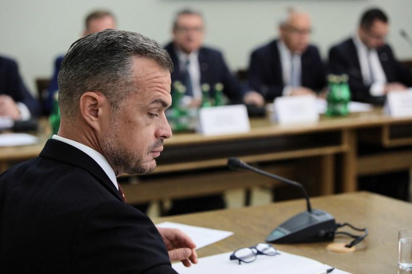 Były sekretarz stanu w KPRM i szef Gabinetu Politycznego Prezesa Rady Ministrów Sławomir Nowak podczas przesłuchania przez Komisję Śledczą /Leszek Szymański /PAP