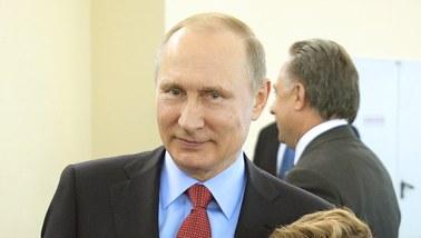 """Były szef CIA: Kreml """"bezczelnie"""" mieszał się w wybory w USA"""