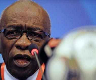 Były wiceprezydent FIFA Warner opuścił areszt w ambulansie