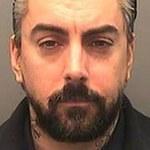 Były wokalista Lostprophets skazany na 35 lat więzienia za pedofilię