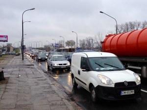 Cała Warszawa stanęła w korkach przez remont wjazdu od strony Rembertowa //RMF FM