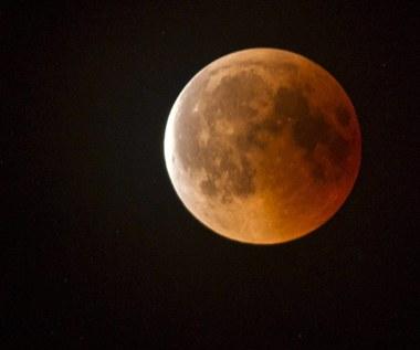 Całkowite zaćmienie Księżyca i superpełnia już w poniedziałek