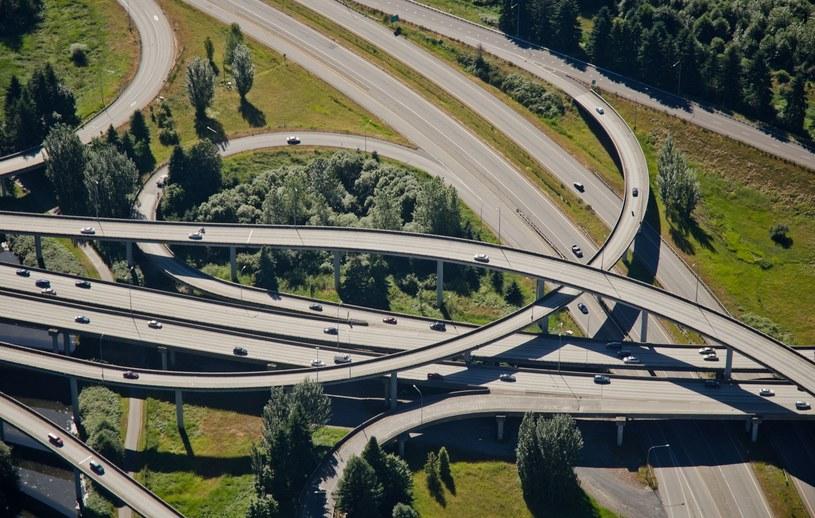 Całkowity koszt budowy Trasy Łagiewnickiej szacowany jest na ok. 1 mld zł. /123RF/PICSEL
