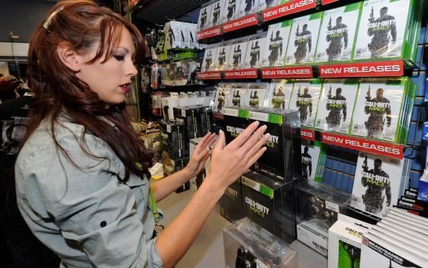Call of Duty: Modern Warfare 3 znów bije rekordy popularności /AFP