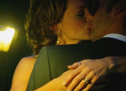 Całowaliście się bez przerwy - w kinie, na ławce w parku, na ulicy /ThetaXstock