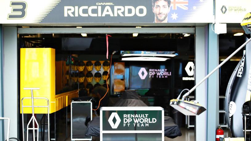 Cały koncern Renault stoi na krawędzi, wycofanie z F1 to pierwszy sposób na oszczedności /Getty Images