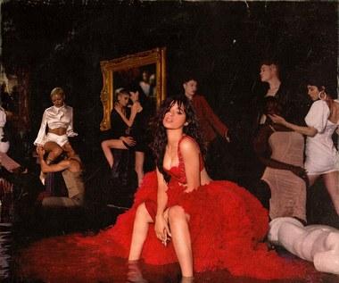 "Camila Cabello ""Romance"": Bezpieczne i nudne proporcje [RECENZJE]"