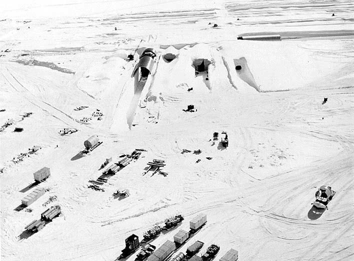 Camp Century z lotu ptaka            Fot. US Army /materiały prasowe