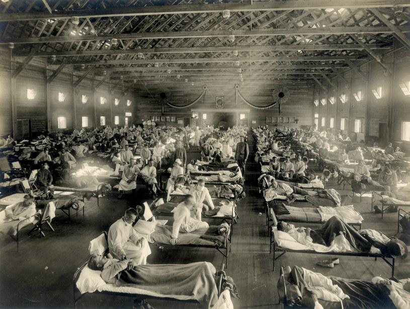Camp Funston - szpital polowy stworzony dla żołnierzy, którzy zapadli na hiszpankę /Wikimedia Commons /domena publiczna