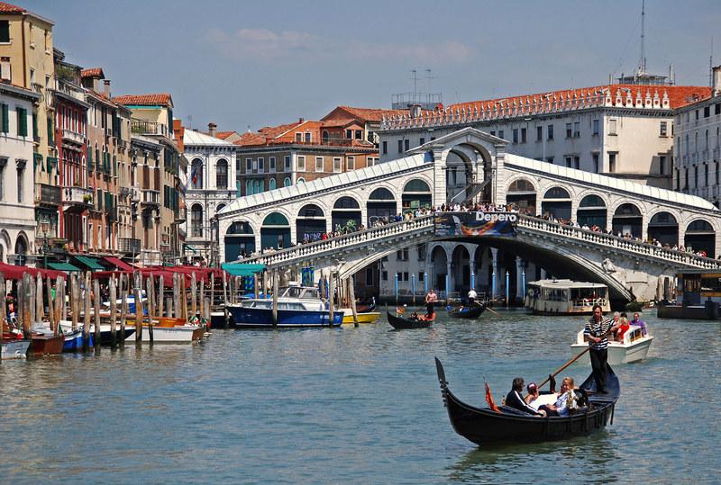 Canal Grande (Wielki Kanał) zachwycał przed wiekami, zachwyca i dzisiaj  /© Panthermedia