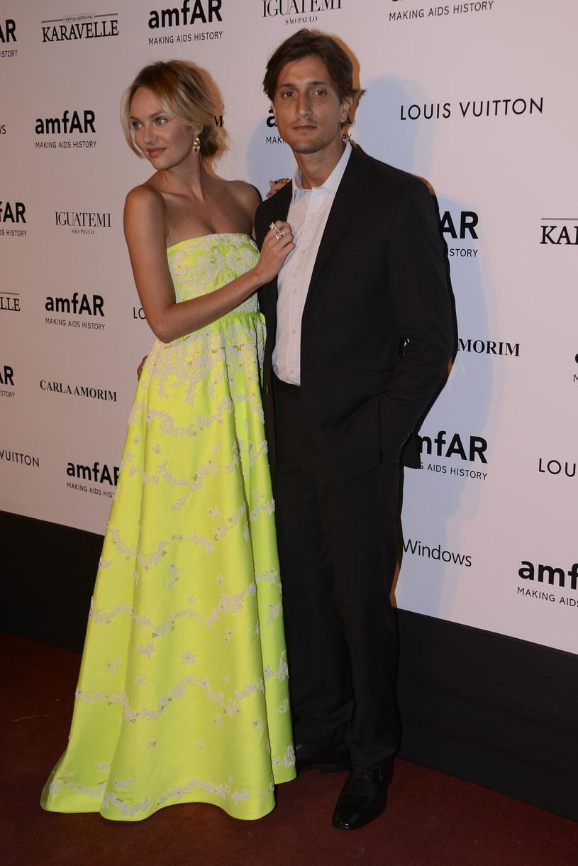 Candice Swanepoel z ukochanym, Hermannem Nicolim /Fernanda Calfat /Getty Images
