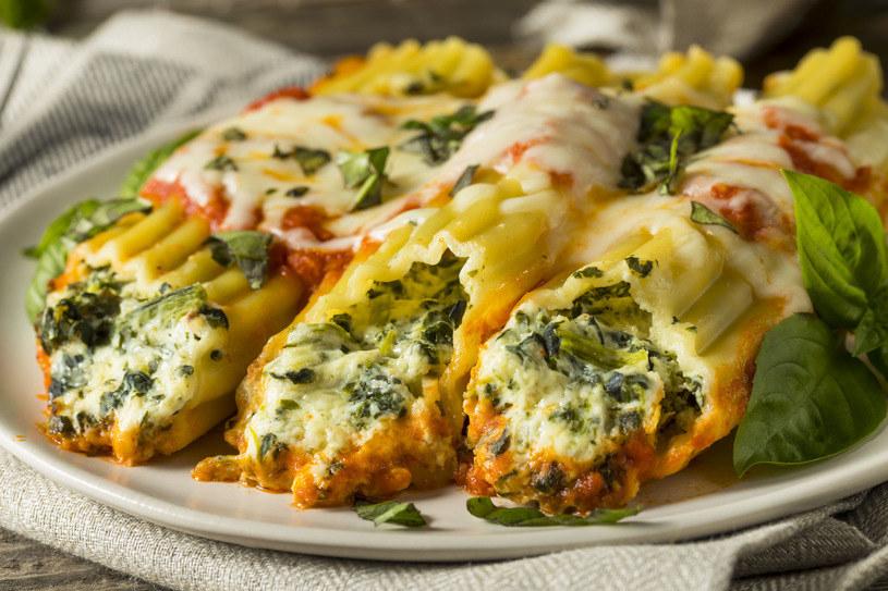 Cannelloni to jeden z przysmaków kuchni włoskiej /123RF/PICSEL