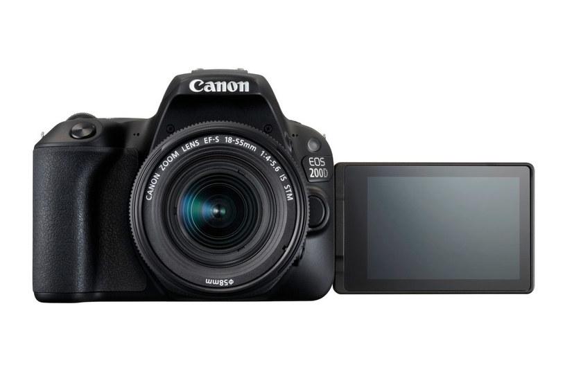 Canon EOS 200D /materiały prasowe