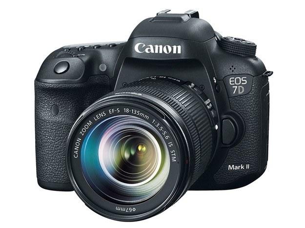 """Canon EOS 7D Mark II - najlepsza lustrzanka klasy """"ekspert"""" /materiały prasowe"""