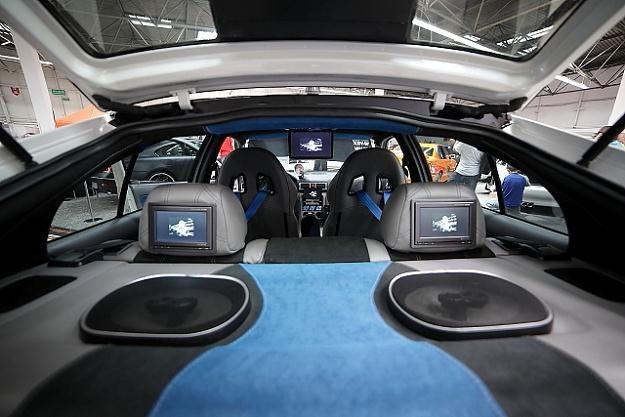 Car-audio i multimedia /