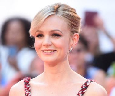 Carey Mulligan za młoda do roli? Netflix w ogniu krytyki