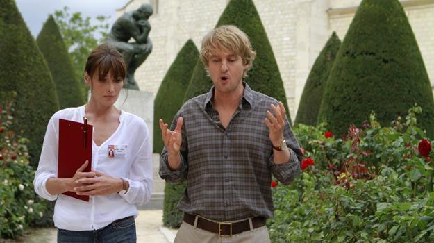 """Carla Bruni i Owen Wilson w filmie """"O północy w Paryżu"""" /materiały prasowe"""