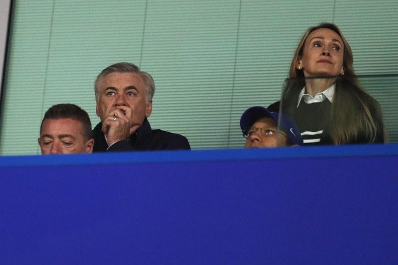 Carlo Ancelotti nie pracuje, ale nie stroni od futbolu. Miesiąc temu widziano go na Stamford Bridge, gdzie oglądał z vipowskiej loży mecz Chelsea /AFP