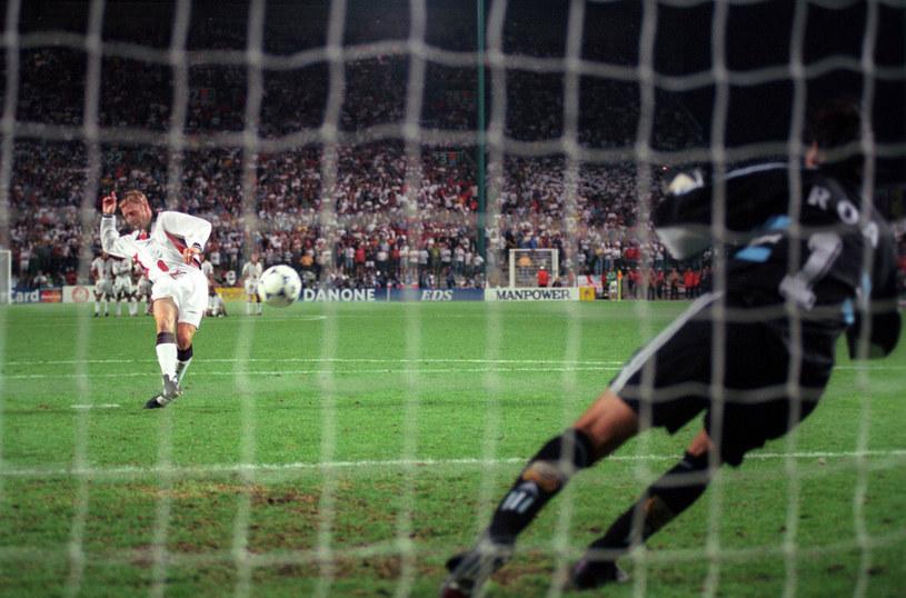 Carlos Roa obronił uderzenie Davida Batty'ego podczas mundialu w 1998 roku /East News