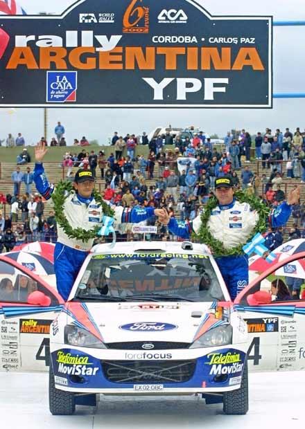 Carlos Sainz na podium jeszcze nie wiedział, że wygrał rajd (kliknij) /poboczem.pl