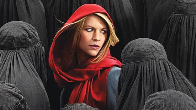 Carrie (Claire Danes) zostaje szefową placówki CIA w niebezpiecznym rejonie, gdzie dochodzi do ciągłych ataków dronów. Przekona się, że władza okupiona jest wysoką ceną. (FOX, od soboty 7.03, godz.: 22.00) /materiały prasowe