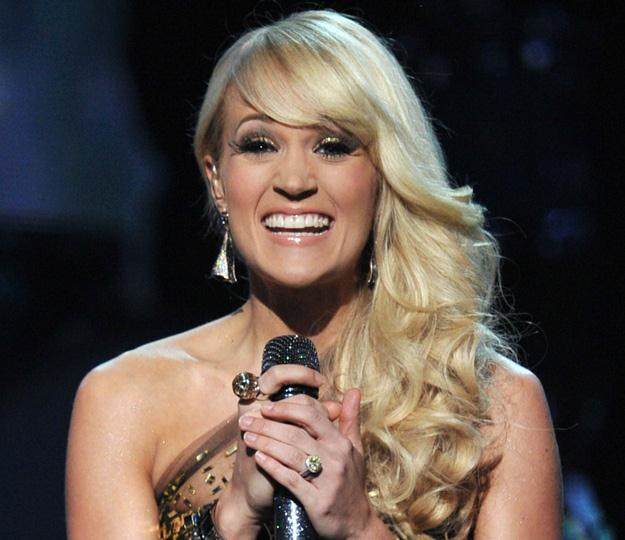 Carrie Underwood nie ustępuje popularnością Kelly Clarkson - fot. Kevin Winter /Getty Images/Flash Press Media