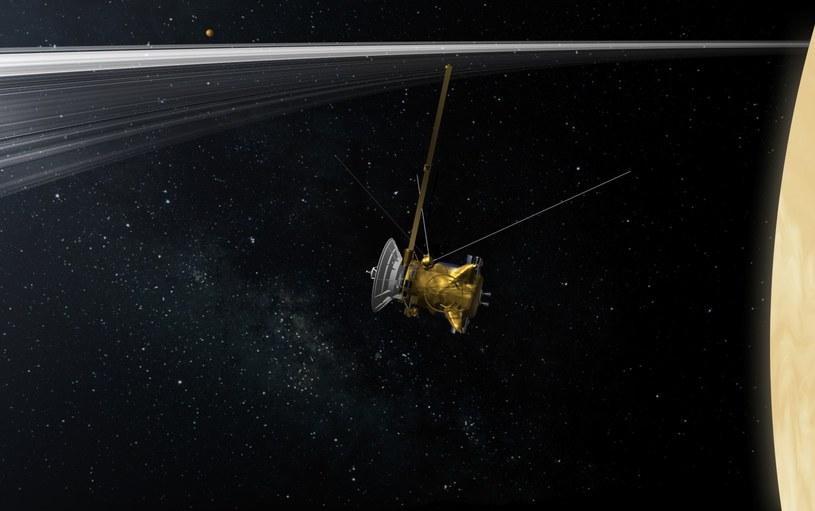 Cassini między Saturnem a jego pierścieniami - wizualizacja /NASA