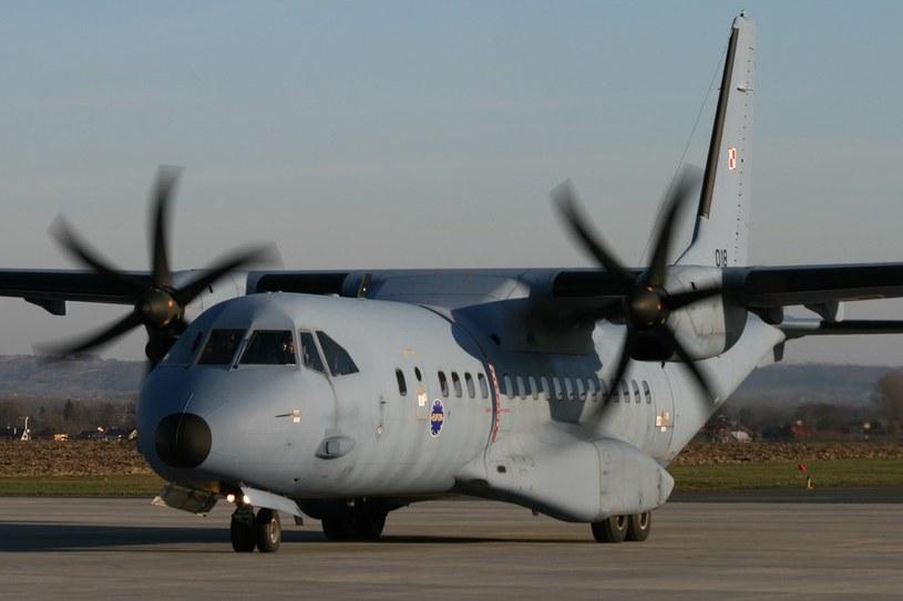 CASY są obecnie podstawowym samolotem transportowym używanym w Siłach Powietrznych /East News