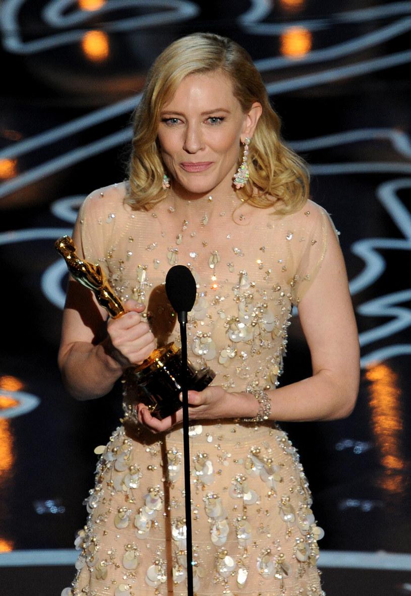 Cate Blanchett, zgodnie z przewidywaniami, odebrała Oscara za najlepszą pierwszoplanową rolę kobiecą /Getty Images