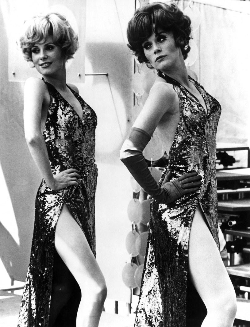"Catherine Deneuve (L) i Françoise Dorléac (P) w filmie ""Panienki z Rochefort"" /Everett Collection /East News"