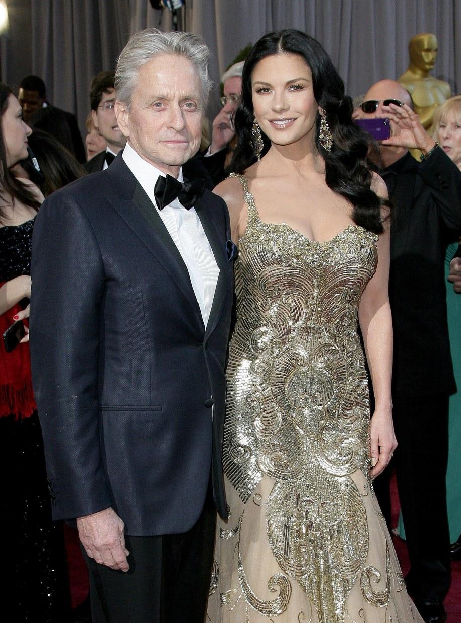 Catherine Zeta-Jones z mężem Michaelem Douglasem podczas rozdania Oscarów w 2013 roku /AdMedia /PAP/EPA