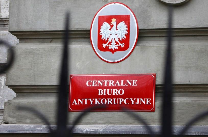 CBA zatrzymało już kilkadziesiąt osób. /Stanisław Kowalczuk /East News