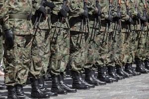 CBA zatrzymało ośmiu żołnierzy. Dawali łapówki, by jechać do Kosowa