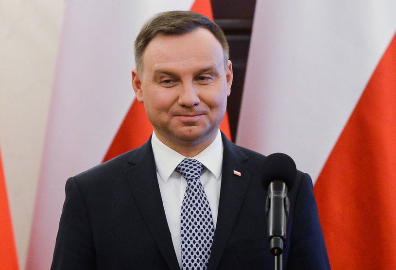 CBOS: 73 proc. Polaków darzy zaufaniem prezydenta Andrzeja Dudę / Jakub Kamiński    /PAP