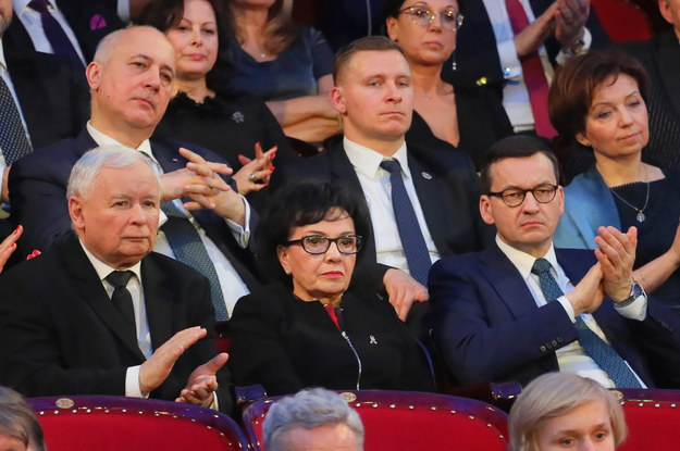 CBOS: PiS z 44-procentowym poparciem. Notowania KO w górę, traci PSL-Koalicja Polska