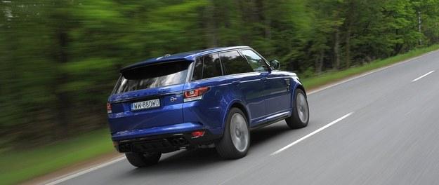 """Cechą rozpoznawczą SVR-a jest też zarezerwowany dla tej wersji lakier """"błękit Estoril"""" (oczywiście nie jest to jedyny dostępny kolor). /Motor"""