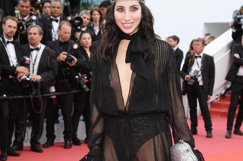 Celebrytka w prześwitującej sukience na festiwalu w Cannes / Pascal Le Segretain /Getty Images