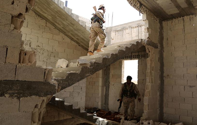 Celem operacji wojskowej jest przede wszystkim ograniczenie dostępu IS do syryjskiego terytorium wzdłuż tureckiej granicy /AFP