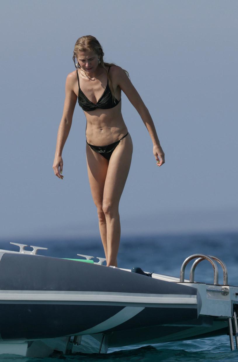 Celina Locks wyglądała obłędnie w zielonym bikini /GTRES /East News