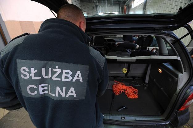 Celnicy nasilą kontrole / Fot: Wojciech Stróżyk /Reporter