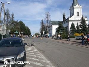 Celowo wjechał w grupę pieszych i rowerzystów pod kościołem